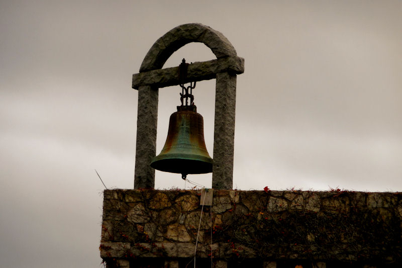 https://homehaunting.files.wordpress.com/2014/08/for-whom-the-bell-tolls.jpg?w=812&h=540